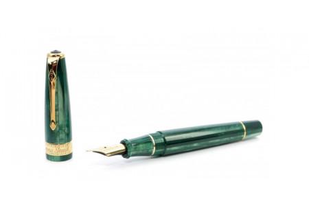 Conway Stewart Model 100 emerald green spaghetti fountain pen